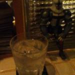 ヒトコトミニ:新宿三丁目のバー8bit cafeで黒霧島ロックを呑む!