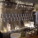 「YELLOW APE CRAFT(大阪・北浜)」カジュアルな空間でクラフトビールが楽しめるビアバー