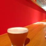 「神田ビアホール D's diner」樽生クラフトビールがテイスティングサイズ300円で楽しめる